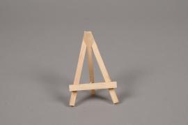 A013D0 Pack of 12 wooden easel H9cm