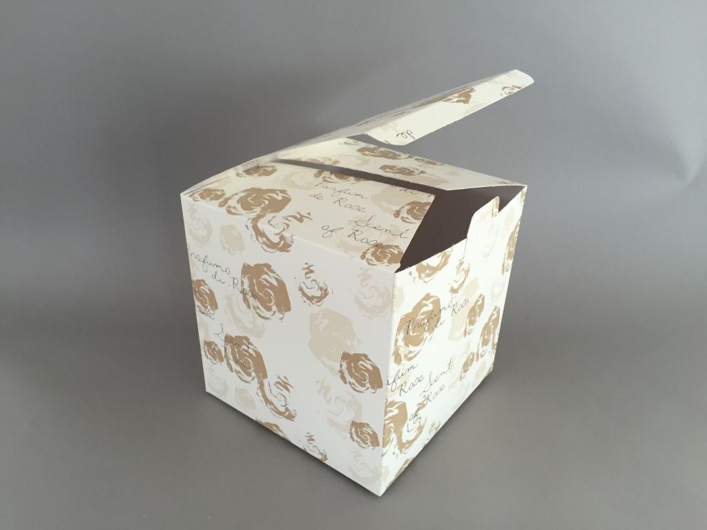 A005K1 Paquet 10 boîtes à bouquet imprimé 24x24cm H24cm