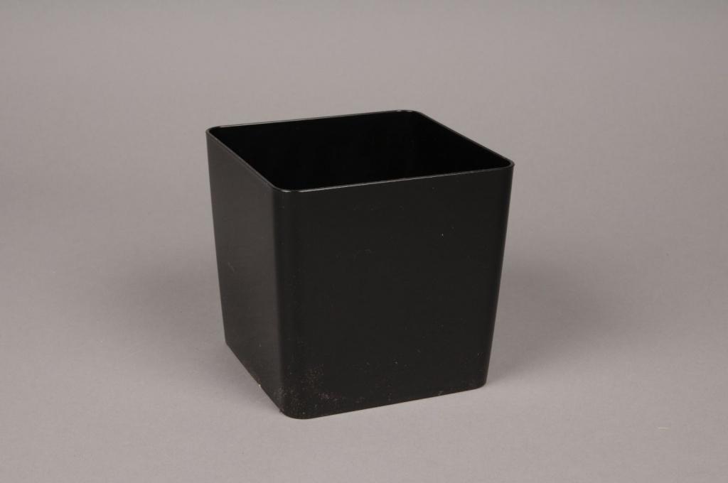 A006R2 Plastic vase cube black 13x13cm H13cm