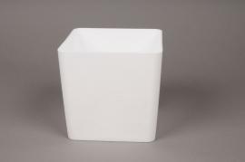 A003R2 Plastic vase cube white 15x15cm H14.5cm