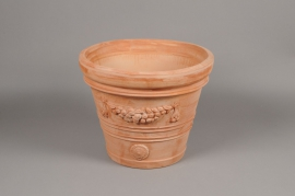 A005Q2 Terra cotta scalloped pot D36cm H32cm
