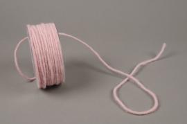 B152VQ Rouleau de fil de laine rose 35m