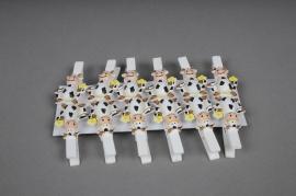 A184F5 Sachet de 12 pinces en bois avec vache