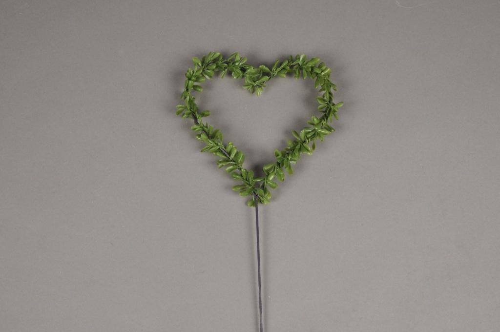 x029ga Sachet de 6 pics coeur avec feuillage vert D16cm
