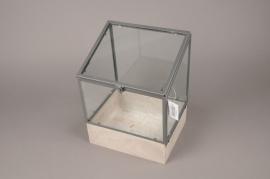 A033AY Serre en bois et verre 15.5cm x 19.5cm H26.5cm