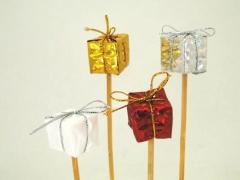 X003Y8 Set de 12 pics cadeaux assortis 2.5cm H20cm