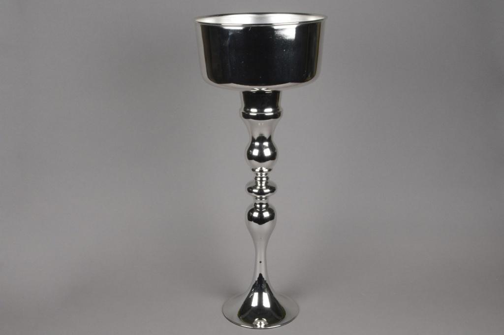 A037Y9 Vase en métal sur pied argent D27cm H67cm
