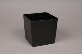 A006R2 Vase en plastique cube noir 13x13cm H13cm