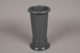 A096T7 Vase en plastique gris D11cm H25cm