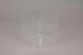 A000R2 Vase en plexi cube transparent 15x15cm H14.5cm