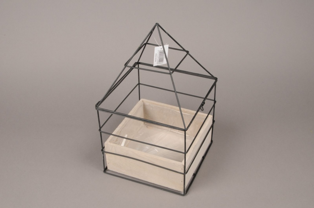 A031AY Wooden and metal greenhouse 17cm x 17cm H29cm