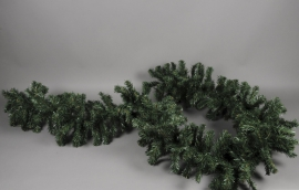 X000AB Artificial green fir tree garland L270cm