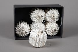 X003U3 Boîte de 6 boules déco papier blanc D7cm