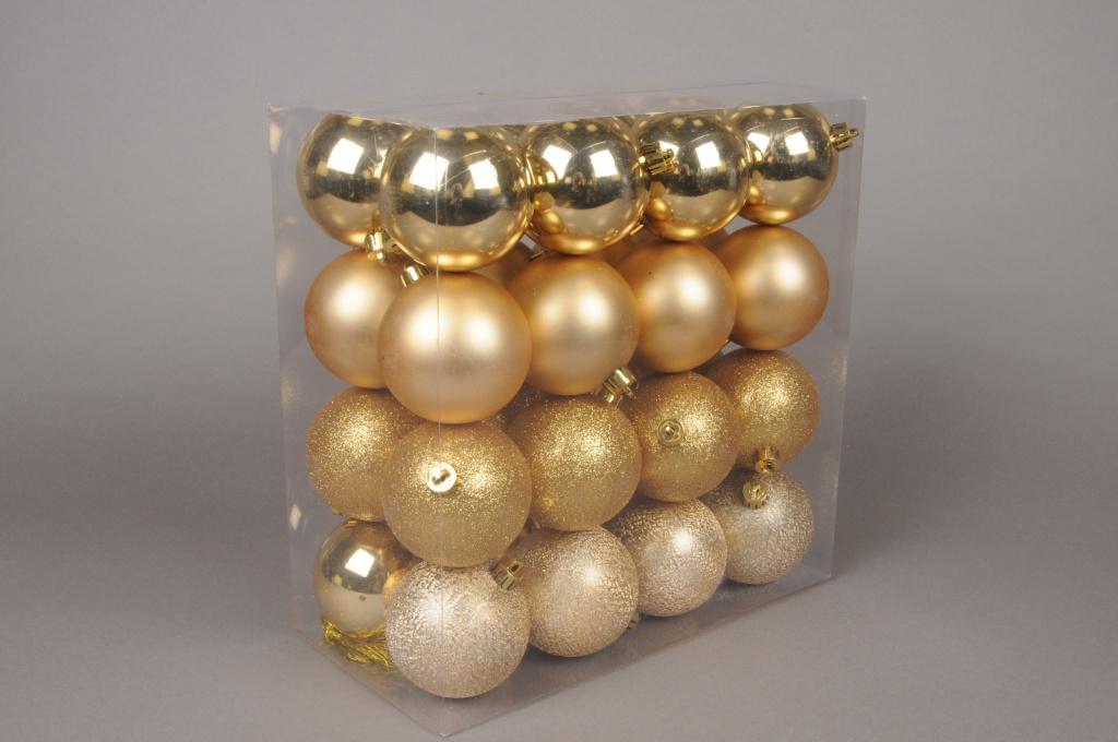 X007ZY Box of 32 plastic balls gold D8cm