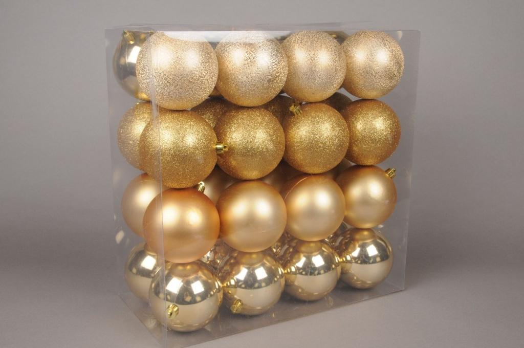 X008ZY Boîte de 32 boules en plastique or D8cm