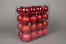 X016ZY Boîte de 32 boules en plastique rouge D8cm