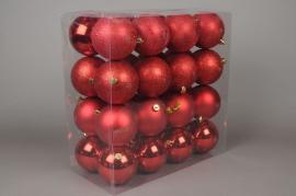 X017ZY Boîte de 32 boules en plastique rouge D8cm