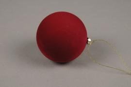 X021L7 Boule en velours rouge D8cm