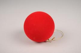 X037L7 Boule en velours rouge D8cm