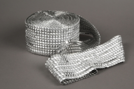 X050UN Roll silver diamonds spike 12cm x 9m
