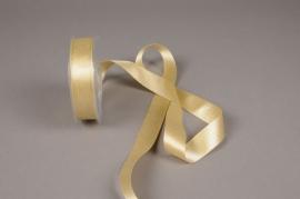 X102UN Gold satin ribbon 25mm x 25m