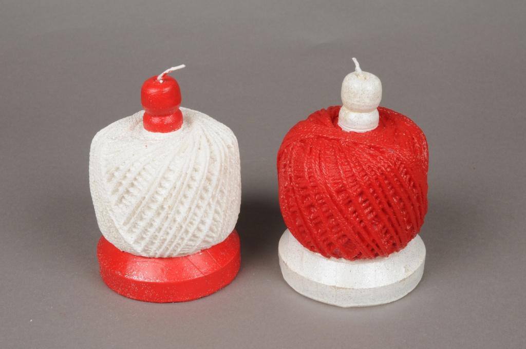 X135IJ Bougie pelote de laine rouge ou blanche D8.5cm H12cm