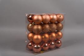 X144ZY Boîte de 32 boules en plastique cuivre D8cm