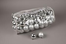 X155ZY Bag of 100 plastic balls silver D6cm