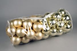 X168ZY Sac de 80 boules plastique or D8cm