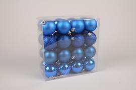 X173ZY Boîte de 32 boules en plastique bleu D6cm