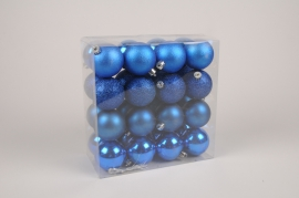 X173ZY Box of 32 blue plastic balls  D6cm