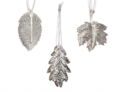 X190KI Set of 4 leaves in silver iron assorted D7.5cm