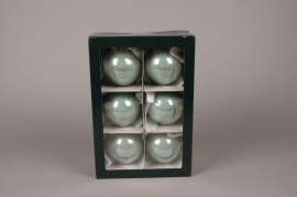 X285T1 Boîte de 6 boules en verre brillant vert amande D8cm