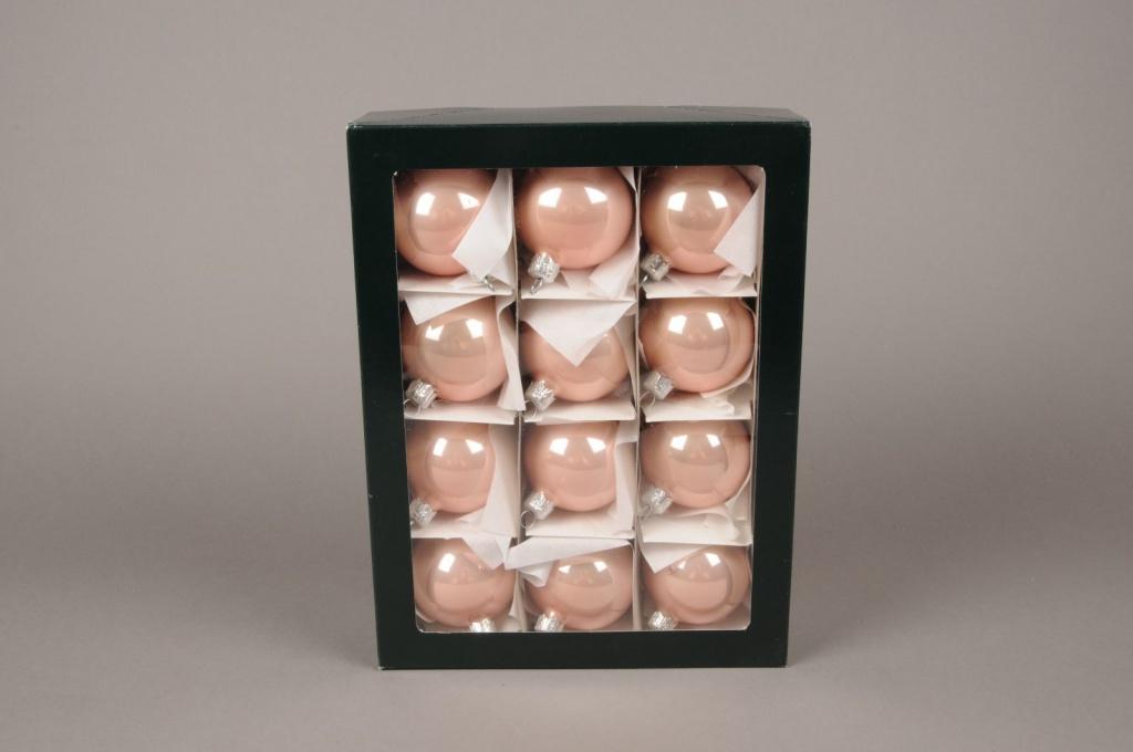 X304T1 Box of 12 shiny powder pink glass balls D6cm