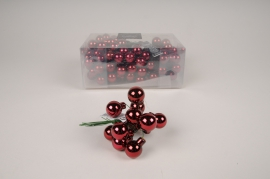 X464KI Box of 144 shiny bordeaux glass balls D20cm