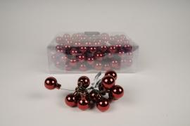 X470KI Boîte de 144 boules en verre bordeaux brillant D25mm