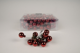 X470KI Box of 144 shiny bordeaux glass balls D25mm