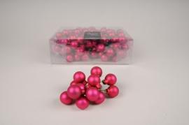 X489KI Boîte de 144 boules en verre rose mat D20mm