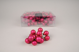 X489KI Box of 144 matte pink glass balls D20mm
