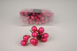 X496KI Box of 144 matte pink glass balls D25mm