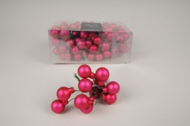 X496KI Box of 144 matte pink glass balls D25mm