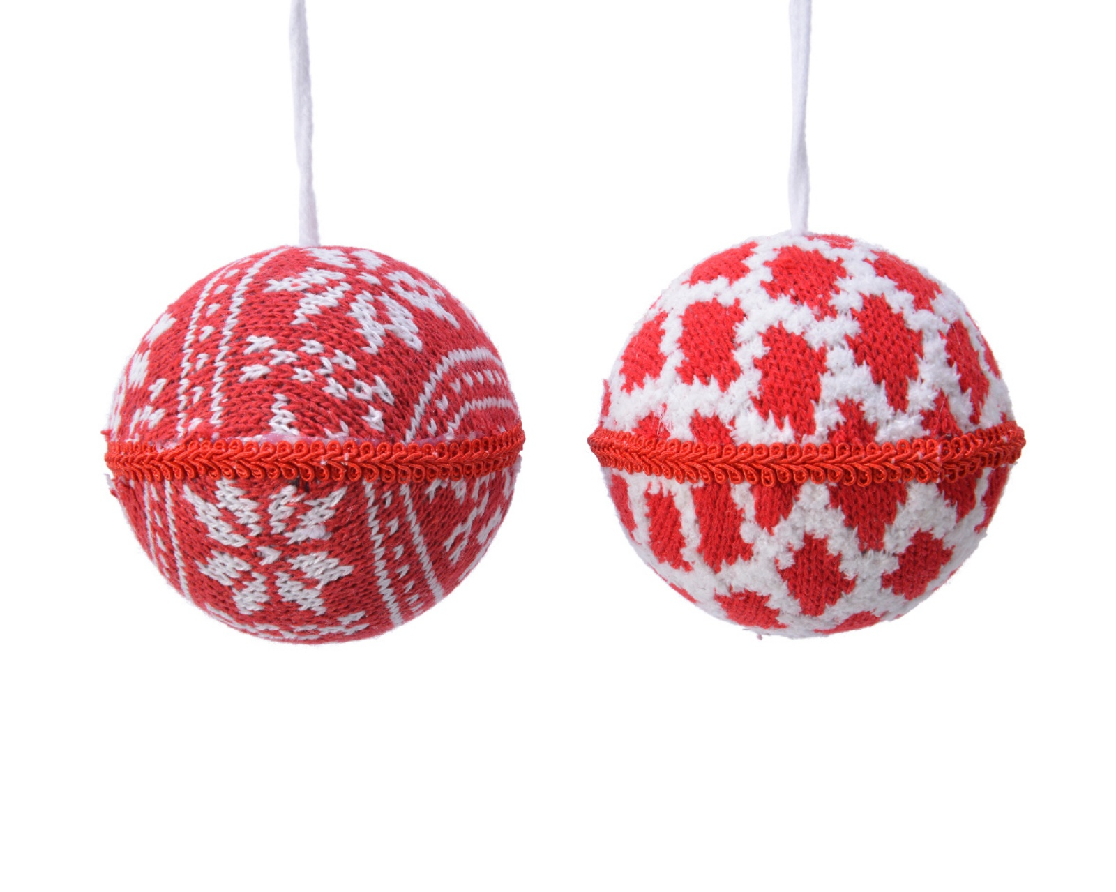 X556KI Boule en laine rouge ou blanc assortie D8cm