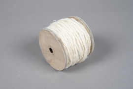 x944wg White jute yarn spool 130gr